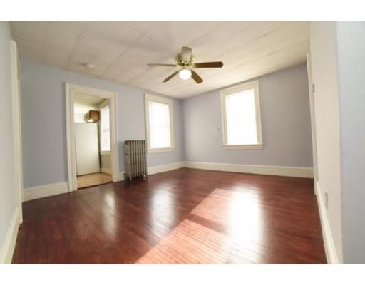 Casa Unifamiliar por un Alquiler en 44 Alden stg Ashland, Massachusetts 01721 Estados Unidos