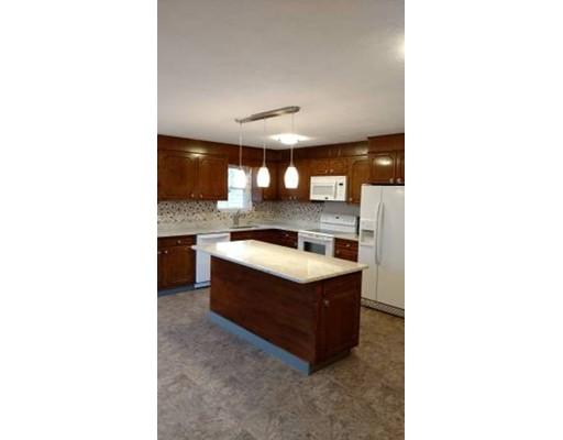 独户住宅 为 出租 在 137 Oakland Street 莫尔登, 马萨诸塞州 02148 美国