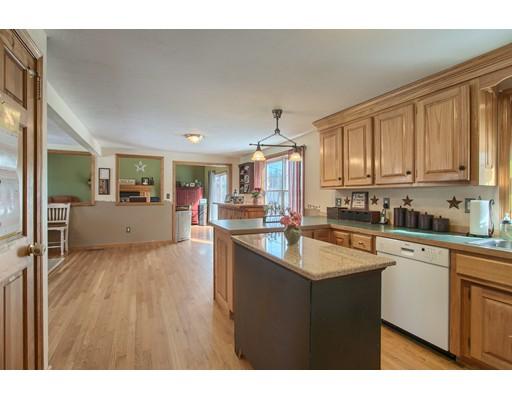 Maison unifamiliale pour l Vente à 3 Alexandria Avenue Templeton, Massachusetts 01468 États-Unis