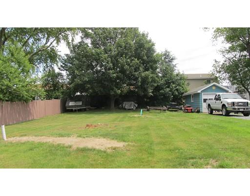 土地,用地 为 销售 在 107 Holliston Avenue 107 Holliston Avenue 朴茨茅斯, 罗得岛 02871 美国