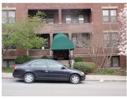 独户住宅 为 出租 在 29 Mount Hood Road 波士顿, 马萨诸塞州 02135 美国