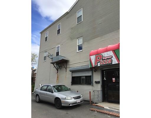 Casa Unifamiliar por un Alquiler en 3381 Washington Street Boston, Massachusetts 02119 Estados Unidos