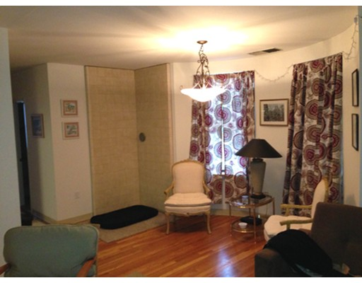 Additional photo for property listing at 96 Gainsborough Street  Boston, Massachusetts 02115 Estados Unidos