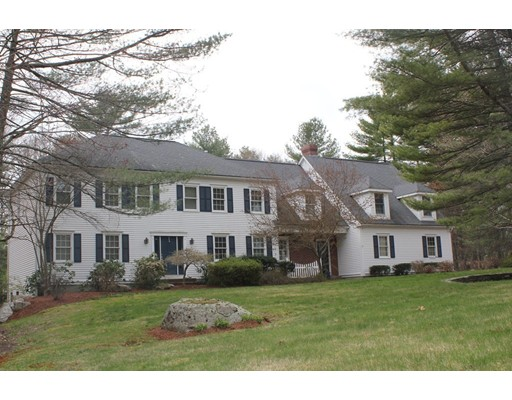 Single Family Home for Sale at 10 Windsor Drive Foxboro, Massachusetts 02035 United States