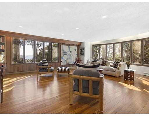 独户住宅 为 销售 在 100 Puritan Lane 斯瓦姆斯柯特, 马萨诸塞州 01907 美国