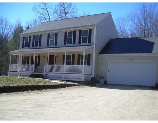 Casa Unifamiliar por un Venta en 22 Blueberry Lane Wilton, Nueva Hampshire 03086 Estados Unidos