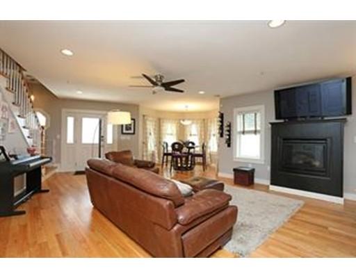 独户住宅 为 出租 在 35 Tuckerman 波士顿, 马萨诸塞州 02127 美国
