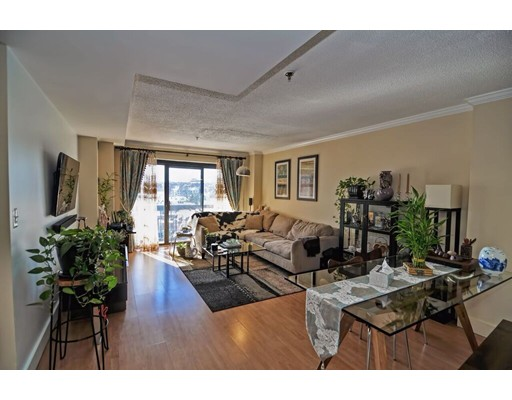 独户住宅 为 出租 在 15 N. Beacon 波士顿, 马萨诸塞州 02134 美国