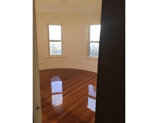 Additional photo for property listing at 8 Sumner Sq  Boston, Massachusetts 02125 United States