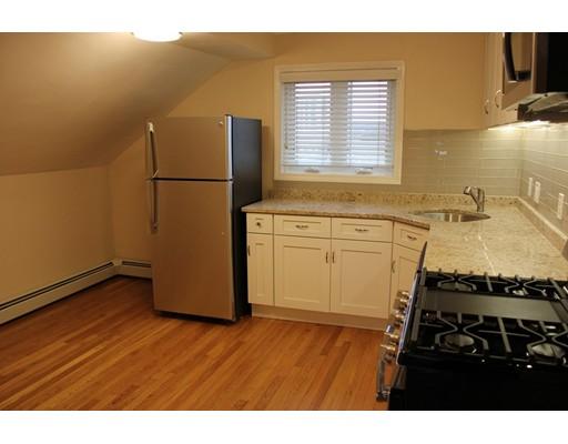 独户住宅 为 出租 在 18 Sachem Street 林恩, 马萨诸塞州 01902 美国