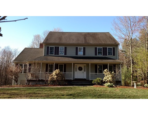 Single Family Home for Sale at 81 Pleasant Street Oxford, 01537 United States