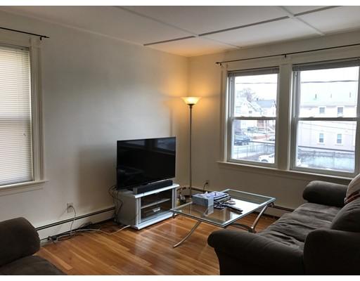 独户住宅 为 出租 在 10 Chipman Avenue 梅尔罗斯, 02176 美国