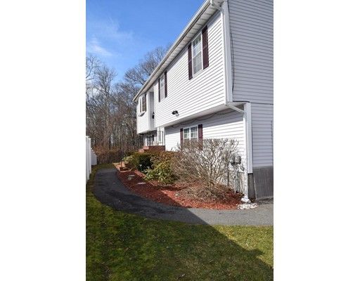 49 Whitelock St, New Bedford, MA 02745