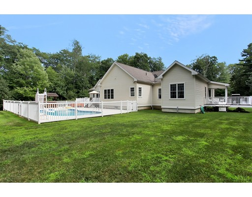 Maison unifamiliale pour l Vente à 20 SHERWOOD DRIVE Spencer, Massachusetts 01562 États-Unis