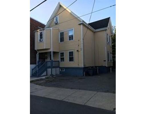 Maison avec plusieurs logements pour l Vente à 11 Walnut Place Revere, Massachusetts 02151 États-Unis
