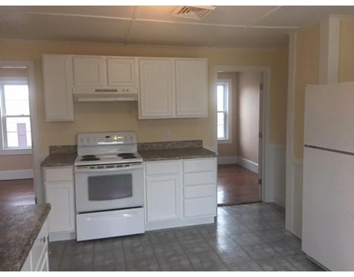 独户住宅 为 出租 在 4 Peck Street 金士顿, 马萨诸塞州 02364 美国