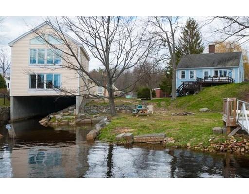 Casa Unifamiliar por un Venta en 8 Bay Road 8 Bay Road Newmarket, Nueva Hampshire 03857 Estados Unidos