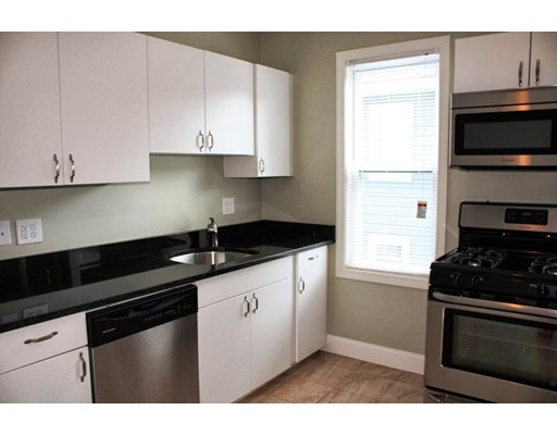 Additional photo for property listing at 4073 Washington Street  Boston, Massachusetts 02131 Estados Unidos