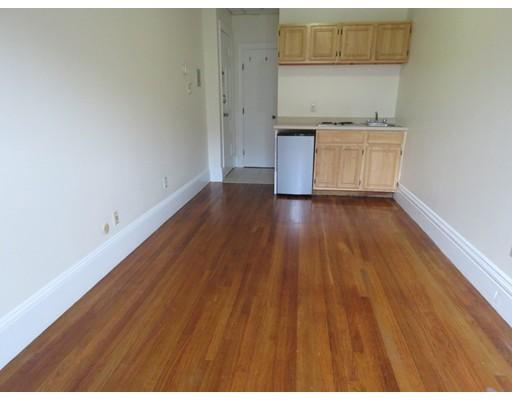Casa Unifamiliar por un Alquiler en 302 Newbury Boston, Massachusetts 02115 Estados Unidos