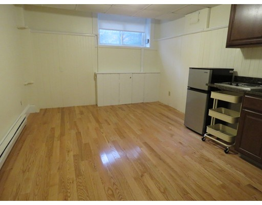 Casa Unifamiliar por un Alquiler en 399 Marlborough Boston, Massachusetts 02115 Estados Unidos