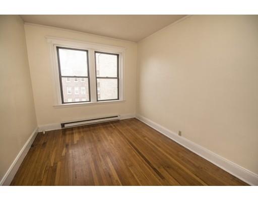 Casa Unifamiliar por un Alquiler en 73 Park Drive Boston, Massachusetts 02215 Estados Unidos