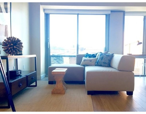 Additional photo for property listing at 270 3rd Street  坎布里奇, 马萨诸塞州 02142 美国