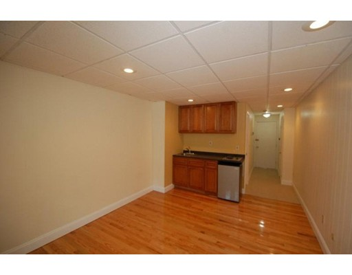 Additional photo for property listing at 868 Beacon  Boston, Massachusetts 02215 Estados Unidos