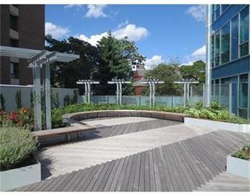 Additional photo for property listing at 1075 Massachusetts Avenue  坎布里奇, 马萨诸塞州 02138 美国