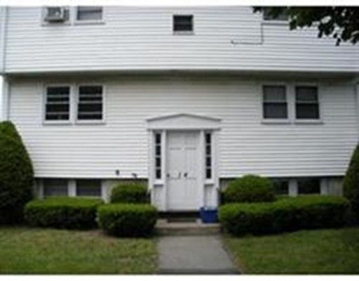 Additional photo for property listing at 14 Curlew Road  Quincy, Massachusetts 02169 Estados Unidos