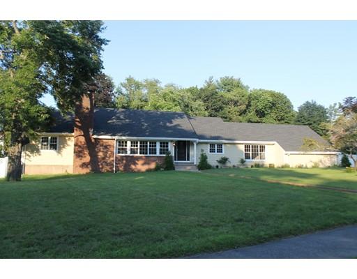 Casa Unifamiliar por un Venta en 4 Yorkshire Drive Lynnfield, Massachusetts 01940 Estados Unidos