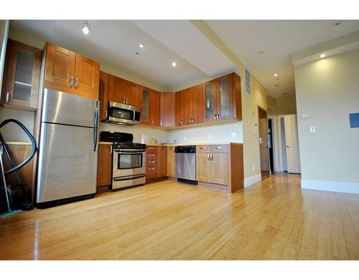 Casa Unifamiliar por un Alquiler en 9 Cortes Street Boston, Massachusetts 02116 Estados Unidos