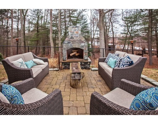 77  Walnut Hill Dr,  Scituate, MA
