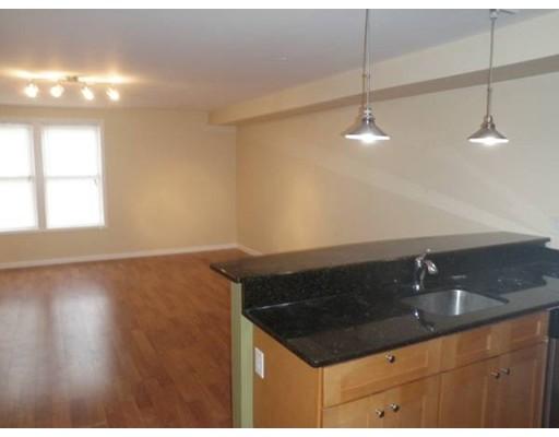 Additional photo for property listing at 37 Chelsea Street  Boston, Massachusetts 02128 United States