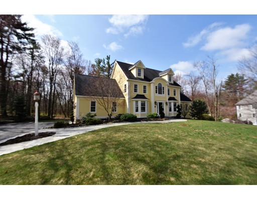 Single Family Home for Sale at 88 Schoolhouse Lane Boxborough, Massachusetts 01719 United States