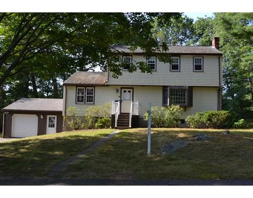 واحد منزل الأسرة للـ Sale في 19 Windsor Drive Hingham, Massachusetts 02043 United States