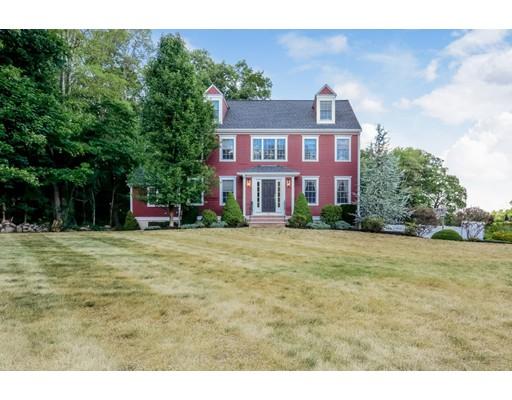 Maison unifamiliale pour l Vente à 45 Birch Street Bridgewater, Massachusetts 02324 États-Unis