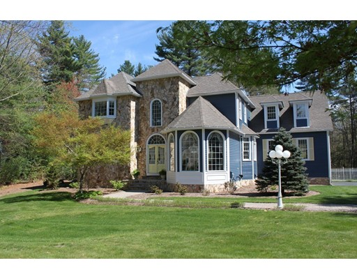 Single Family Home for Sale at 5 Windsor Drive Foxboro, Massachusetts 02035 United States