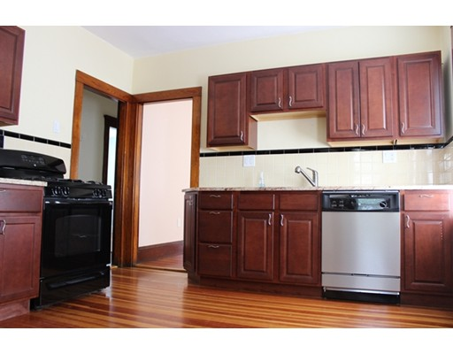 Casa Unifamiliar por un Alquiler en 4109 Washington Street Boston, Massachusetts 02131 Estados Unidos