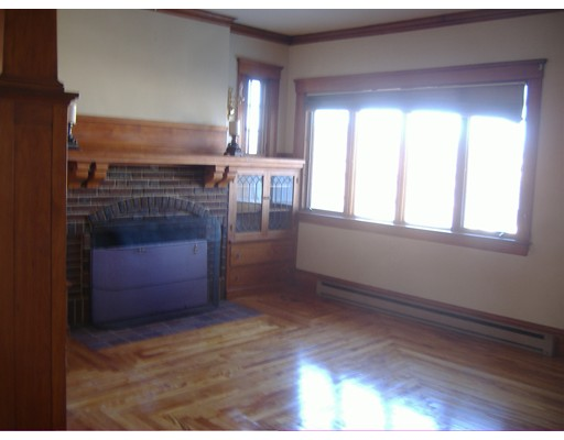 Additional photo for property listing at 132 Lake Avenue  Worcester, Massachusetts 01604 Estados Unidos