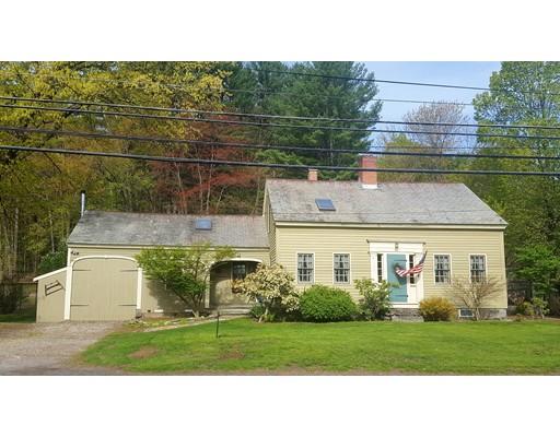 Maison unifamiliale pour l Vente à 330 S Main Street Orange, Massachusetts 01364 États-Unis