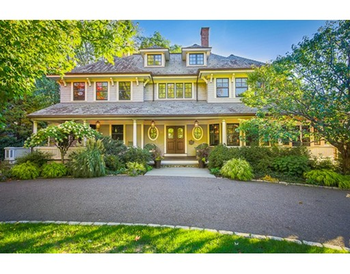 واحد منزل الأسرة للـ Sale في 17 Hayes Avenue 17 Hayes Avenue Lexington, Massachusetts 02420 United States