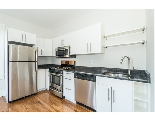 Additional photo for property listing at 14 Second Street #2 14 Second Street #2 Cambridge, Massachusetts 02141 États-Unis