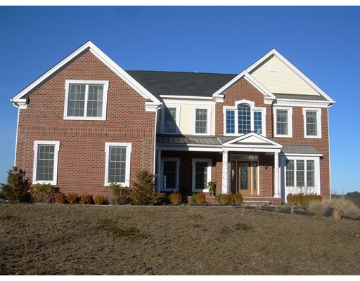 واحد منزل الأسرة للـ Sale في 20 Indian Circle Holliston, Massachusetts 01746 United States