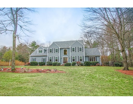 Single Family Home for Sale at 7 Longwood Lane Walpole, Massachusetts 02081 United States