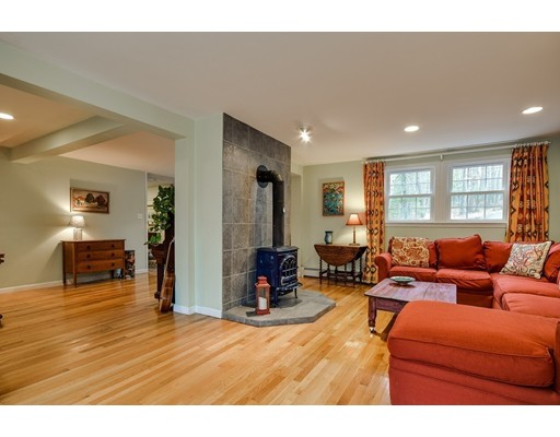 29 Morningside Ave, Natick, MA 01760
