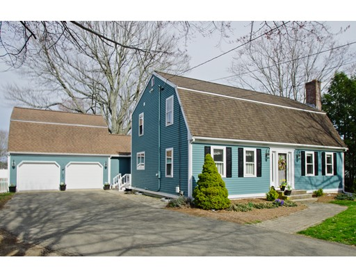 Single Family Home for Sale at 124 Scotland Street West Bridgewater, Massachusetts 02379 United States