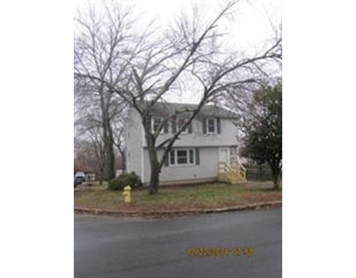 Additional photo for property listing at 83 Vinedale Road  Braintree, Massachusetts 02184 Estados Unidos