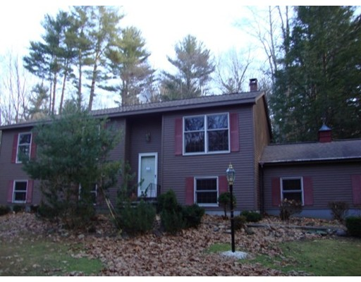 Single Family Home for Sale at 820 Salisbury Road Sheffield, Massachusetts 01257 United States