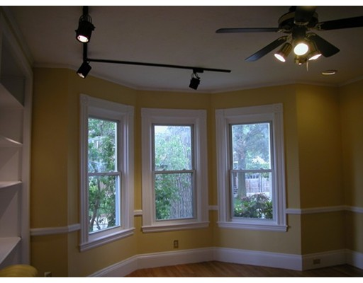 Additional photo for property listing at 9 Kenneth Street  Boston, Massachusetts 02132 Estados Unidos
