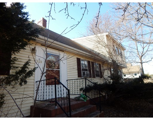 Single Family Home for Sale at 324 Page Street Avon, Massachusetts 02322 United States